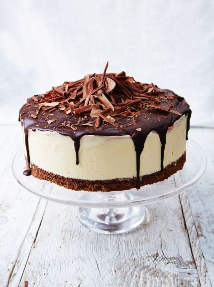 black-forest-frozen-cheesecake